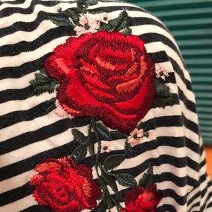 H&M Tops - Rose Embroidered Stripe Contrast Crop Top